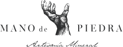 Mano de piedra-logo